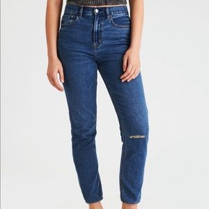 American Eagle Knee-Rip Mom Jeans
